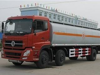 东风天龙前双后单化工液体运输车