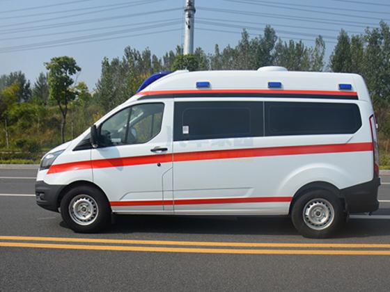 福特V362短轴中顶转运型救护车
